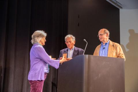 DEMO-243-symposium-award*